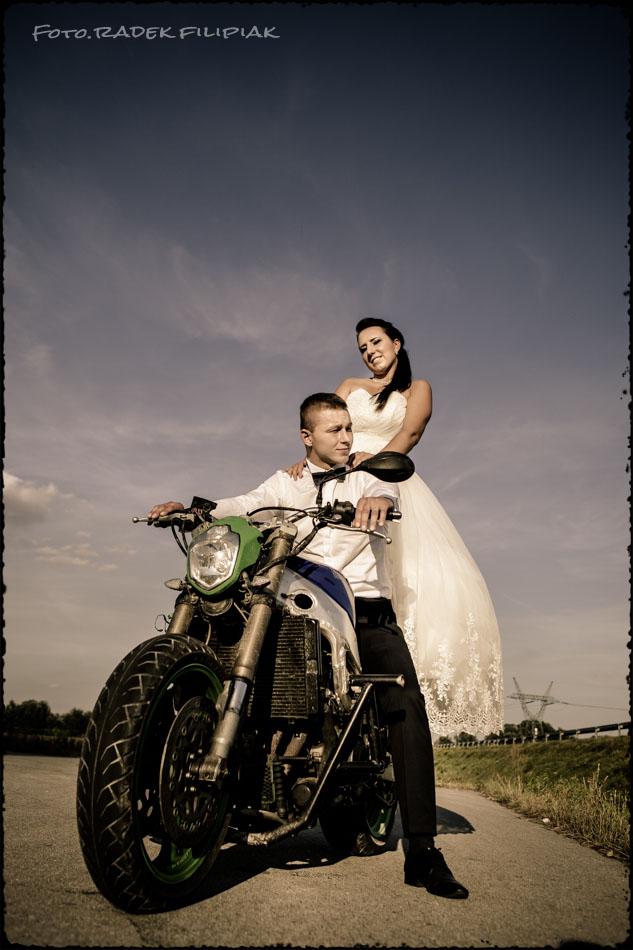 sesja ślubna - plenerowa na motorze Puławy
