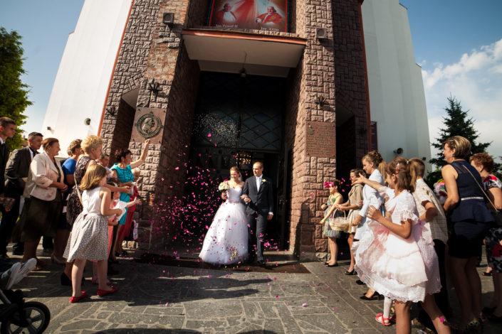 Iwonka & Adam – Sesja ślubna w skansenie i ceremonia zaślubin